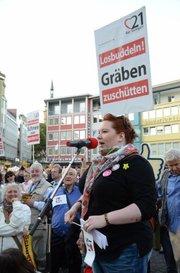Thumb_phoca_thumb_l_20110914_volksversammlung-s21-schuster_1607