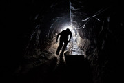 Thumb_gaza-tunnel-worker-615