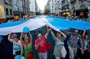 Thumb_protestas-argentina-economista