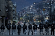 Thumb_2014_bosnia_riotpolice