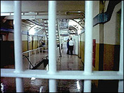 Thumb_prison_150108