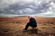 Thumb_kurdish_20refugee_20outside_20kobani_0