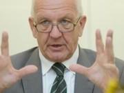 Thumb_der-baden-wuerttembergische-ministerpraesident-winfried-kretschmann-mahnt-kompromisse-an